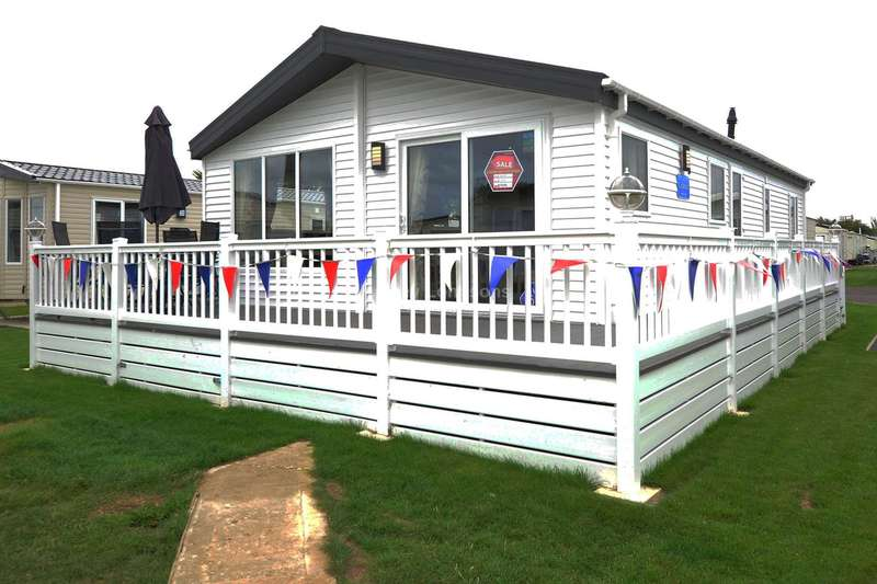 2 Bedrooms Lodge Character Property for sale in Seasalter. Kent