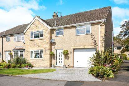 4 Bedrooms Semi Detached House for sale in Highland Close, Buxton, Derbyshire, High Peak