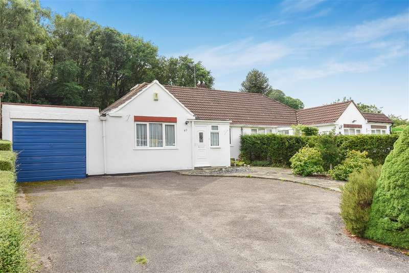 2 Bedrooms Bungalow for sale in Harpesford Avenue, Virginia Water