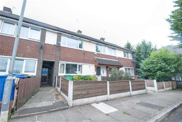 3 Bedrooms Terraced House for sale in Whalley Road, Heywood