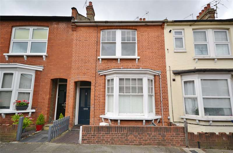 3 Bedrooms Terraced House for sale in Percy Road, North Finchley, London, N12