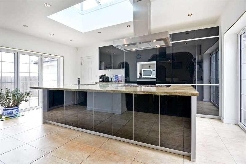 7 Bedrooms Detached House for sale in Guibal Road, London, SE12