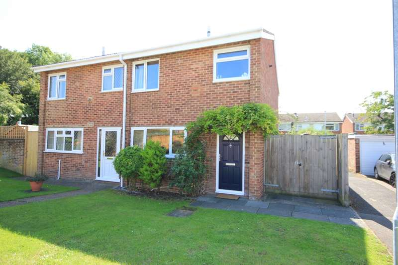 3 Bedrooms Semi Detached House for sale in Farleigh Mews, Caversham, Reading, RG4