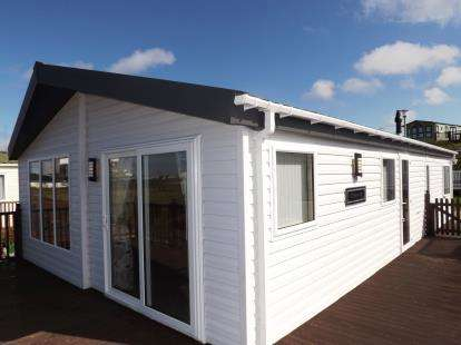 2 Bedrooms Mobile Home for sale in Bay View, Ocean Edge Caravan Park, Heysham, Lancashire, LA3