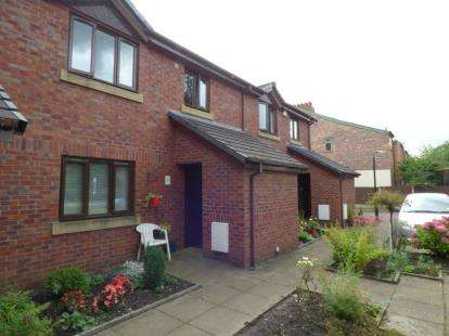 1 Bedroom Flat for sale in Red Rose Gardens, Sale, Manchester, Greater Manchester