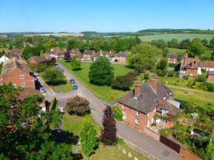 4 Bedrooms Terraced House for sale in River Court, Chartham, Canterbury, Kent