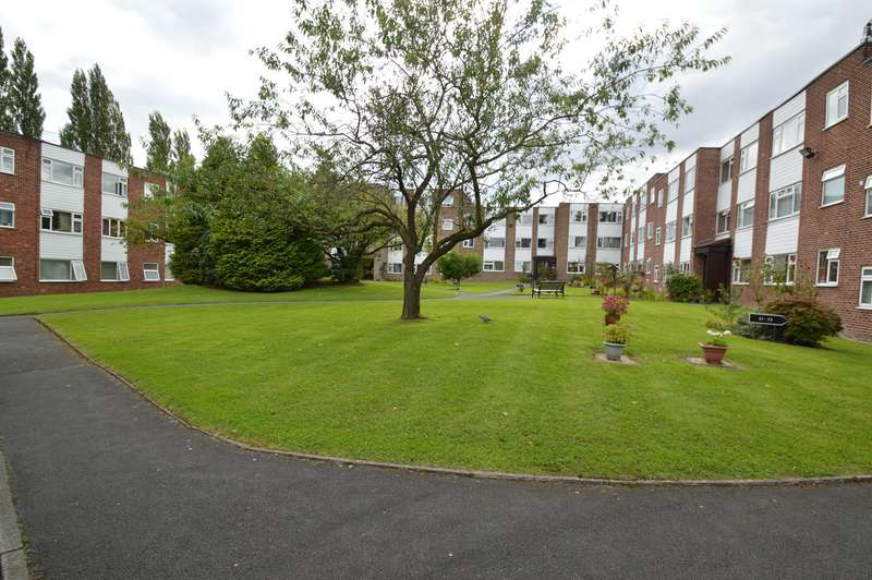 2 Bedrooms Flat for sale in Pole Lane, Unsworth, Bury, BL9