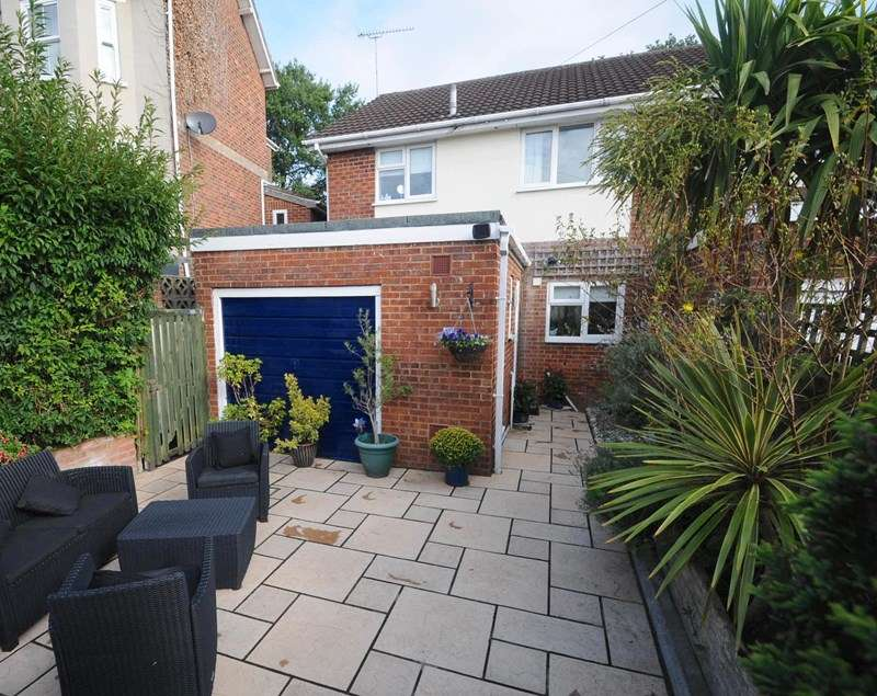3 Bedrooms Semi Detached House for sale in Dunford Road, Parkstone, Poole