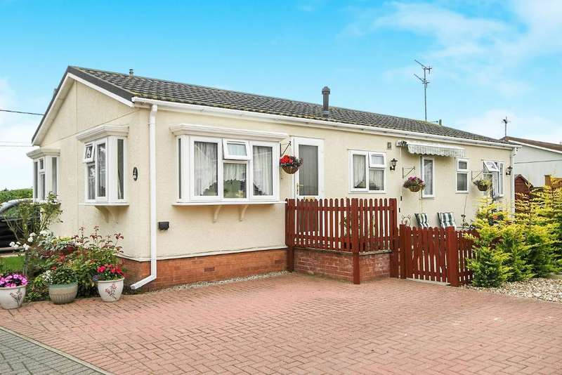 1 Bedroom Park Home Mobile Home for sale in Flagship Park, Flaghill, Colchester, Essex, CO7 8RE