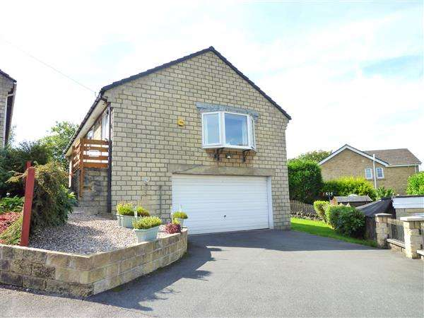 3 Bedrooms Detached Bungalow for sale in Heather Road, Meltham, Holmfirth
