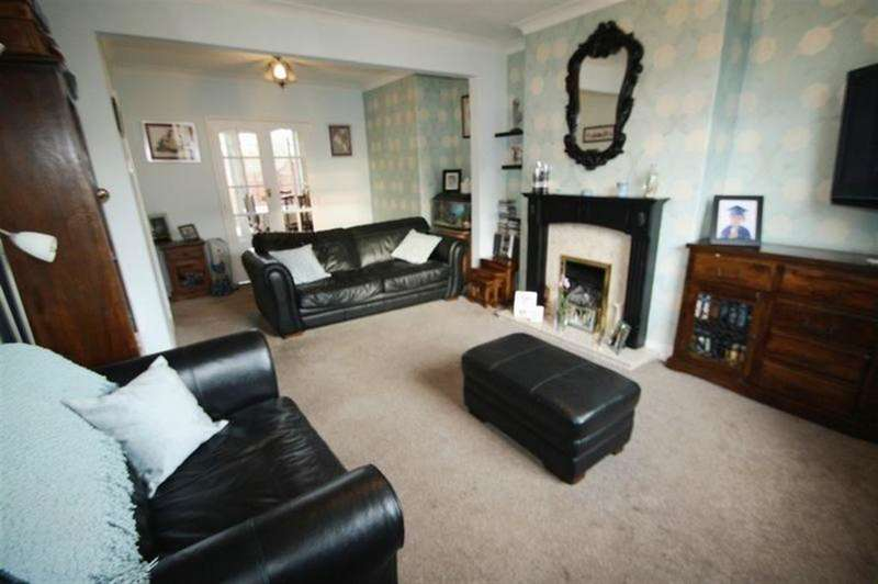 3 Bedrooms Semi Detached House for sale in Imperial Crescent, Stockton-on-Tees, TS20 2ER
