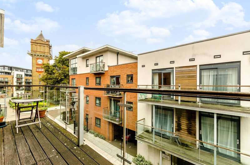 1 Bedroom Flat for sale in Highfield Close, Hither Green, SE13