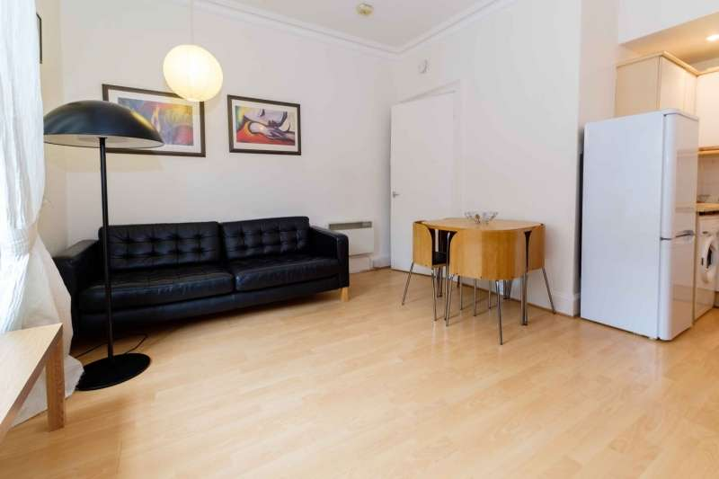 2 Bedrooms Flat for sale in Upper Grove Place, Fountainbridge, Edinburgh, EH3 8AY