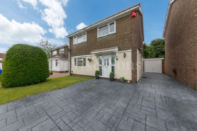4 Bedrooms Detached House for sale in Ruskin Avenue, Rogerstone, Newport. NP10 0AB