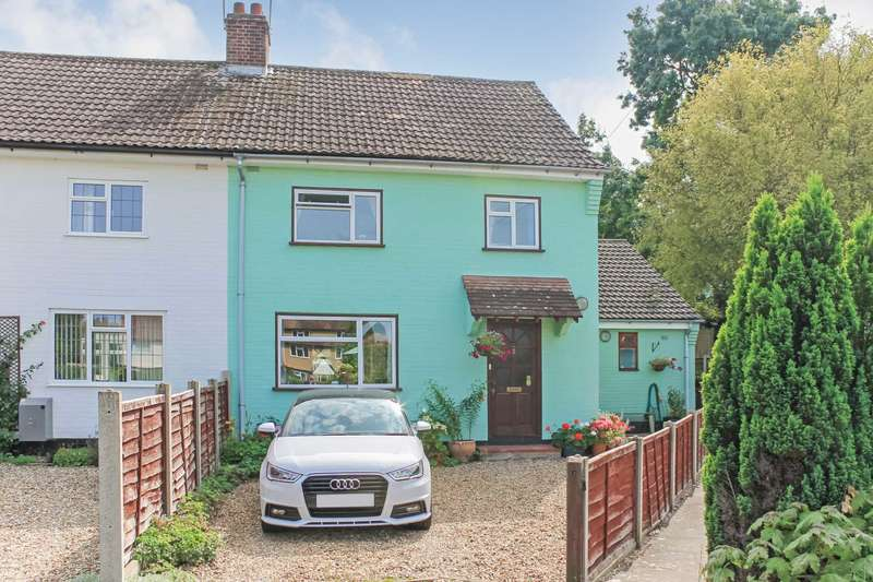 3 Bedrooms Semi Detached House for sale in Stoneycroft, Aldbury, Hertfordshire