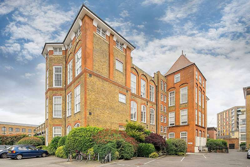 2 Bedrooms Apartment Flat for sale in Old School Square, London, London, E14 7DJ