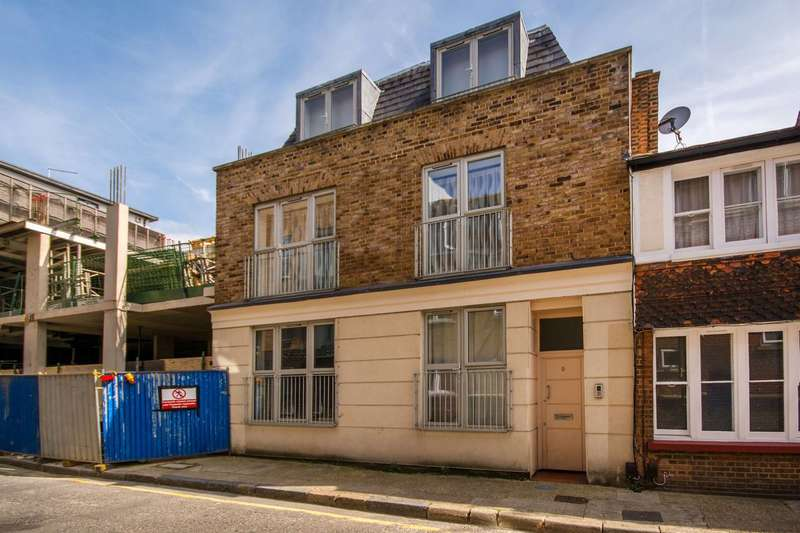2 Bedrooms Flat for sale in Sudrey Street, Borough, SE1
