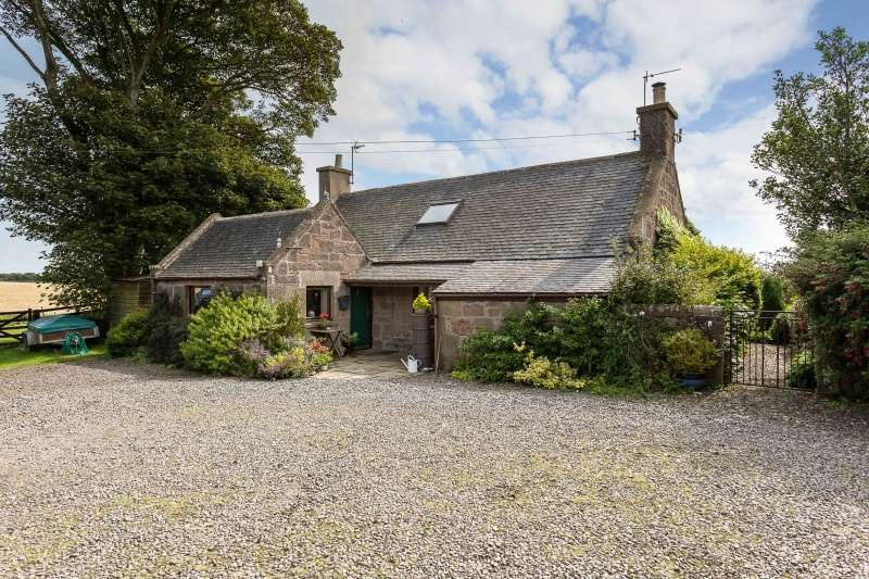 4 Bedrooms Farm House Character Property for sale in Johnshaven, Montrose, Angus, DD10 0HY