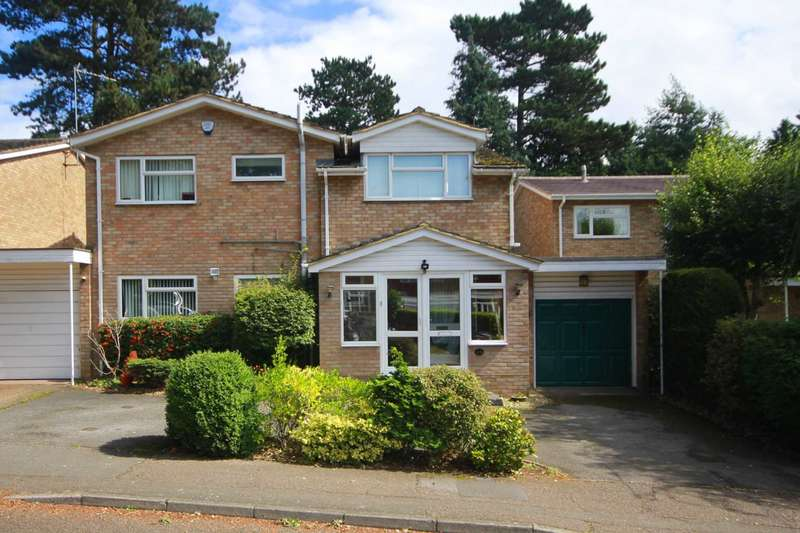 4 Bedrooms Detached House for sale in NEARLY 2000 SQ FT - 4 BED DET with ENSUITE IN GRAVEL LANE, BOXMOOR, HP1
