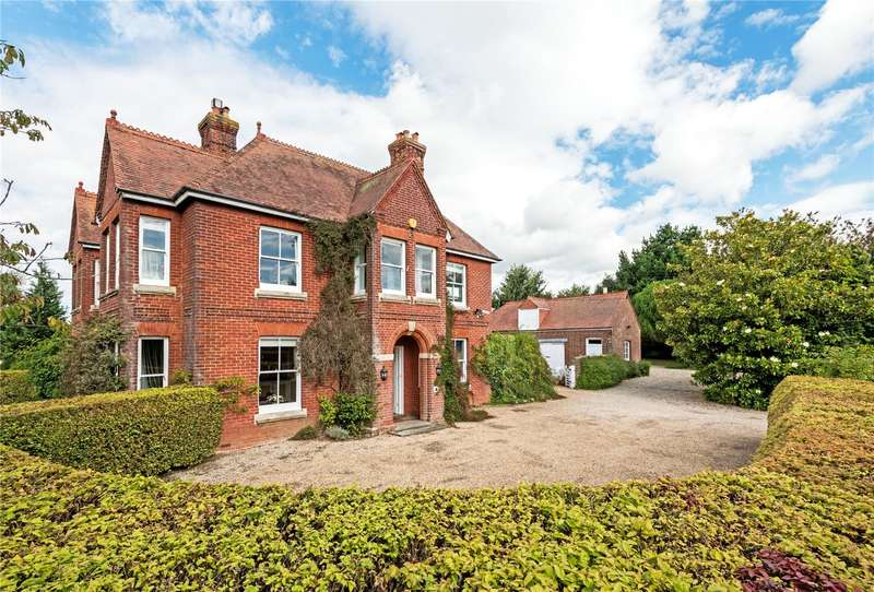 5 Bedrooms Detached House for sale in Stane Street, Codmore Hill, Pulborough, West Sussex, RH20