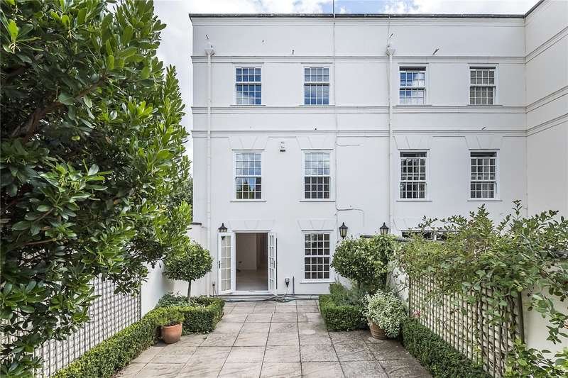 3 Bedrooms Semi Detached House for sale in Beaufort Close, London, SW15