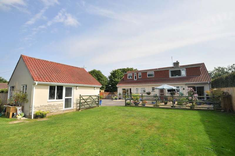 5 Bedrooms Detached Bungalow for sale in Wimborne