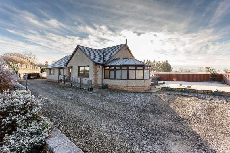 4 Bedrooms Bungalow for sale in Station Yard, Burrelton, Blairgowrie, Perthshire, PH13 9NH
