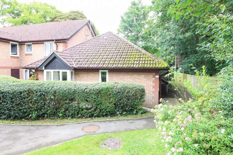2 Bedrooms Semi Detached Bungalow for sale in The Cloisters, Priest Hill, Caversham, Reading, RG4