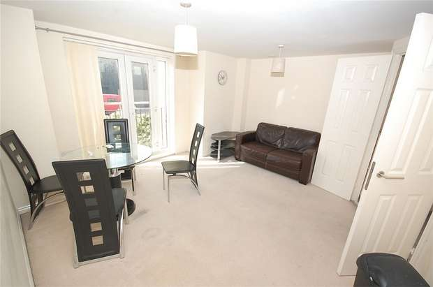 2 Bedrooms Flat for sale in 4 Middlewood Street, SALFORD, Greater Manchester