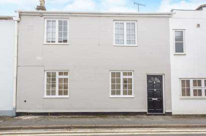 3 Bedrooms Terraced House for sale in Hewlett Place, Cheltenham, Gloucestershire