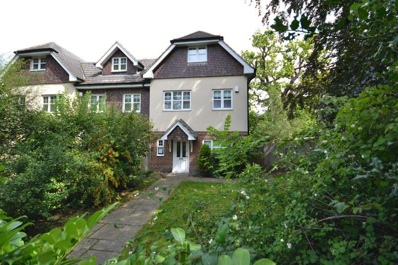 5 Bedrooms End Of Terrace House for sale in Weybridge