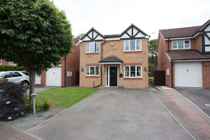 3 Bedrooms Detached House for sale in Rosemount Drive, Normanton, West Yorkshire, WF6
