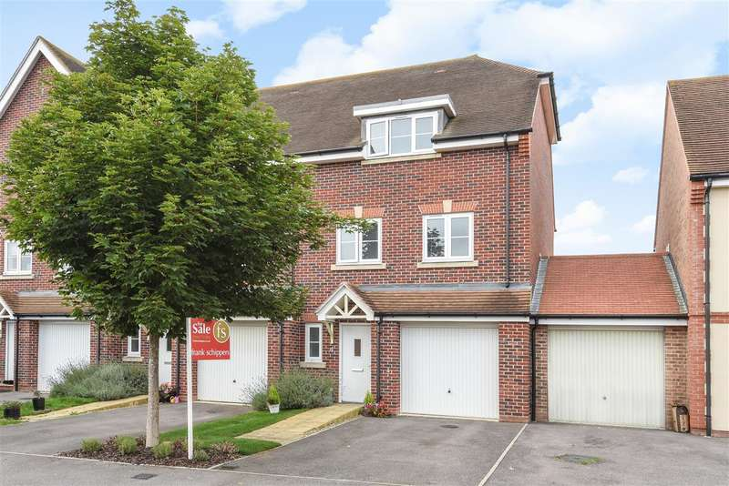 4 Bedrooms Semi Detached House for sale in Swift Fields, Jennetts Park, Bracknell