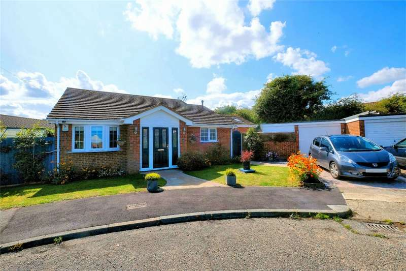 2 Bedrooms Detached Bungalow for sale in Glenside, WHITSTABLE, Kent