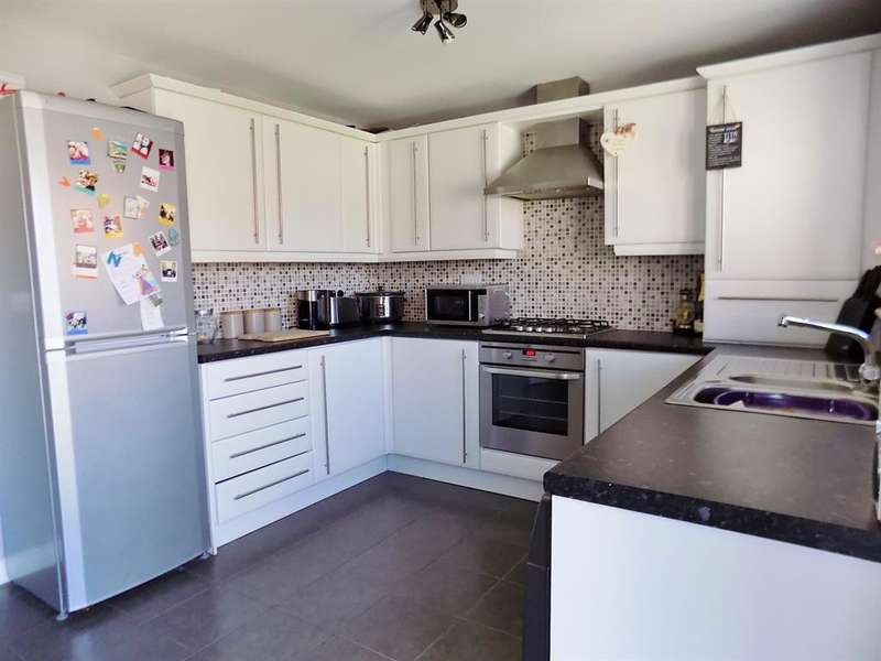 3 Bedrooms Town House for sale in Turnbull Way, Marton-in-Cleveland, Middlesbrough, TS4 3RS