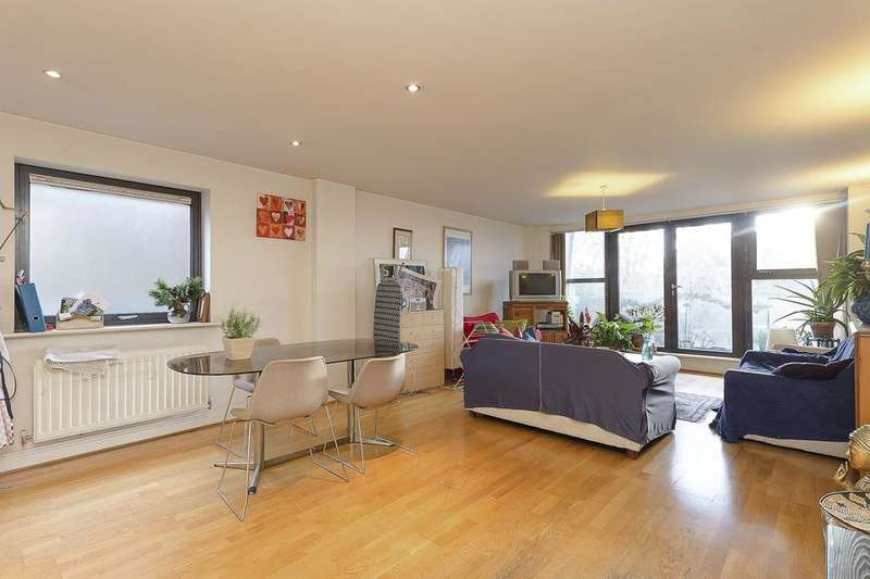 3 Bedrooms Flat for sale in Streamline Mews, Lordship Lane, London SE22