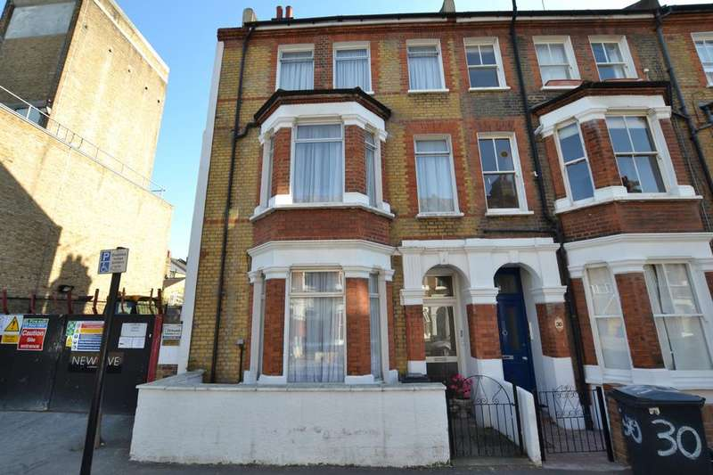 5 Bedrooms End Of Terrace House for sale in Rita Road, London SW8