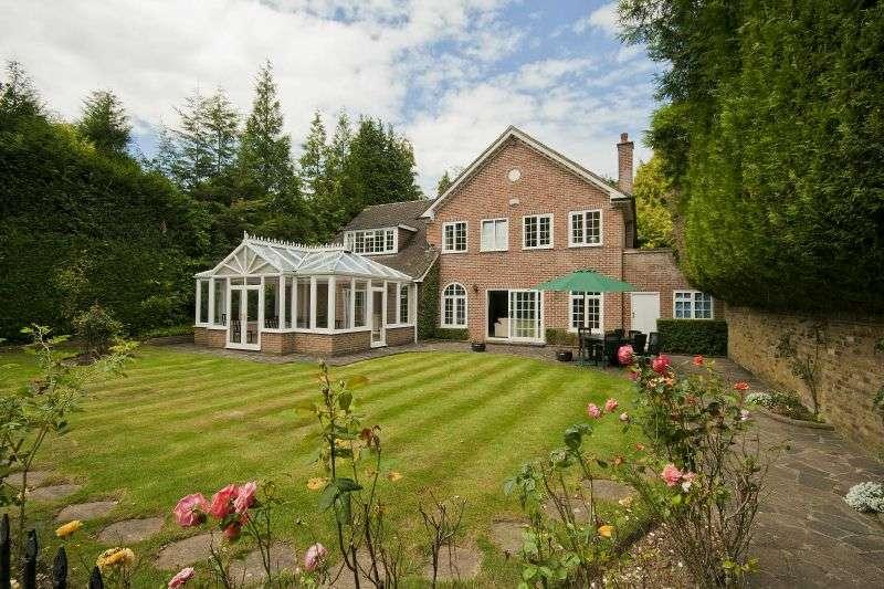 5 Bedrooms Detached House for sale in Linksway, Northwood