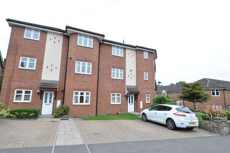 2 Bedrooms Flat for sale in Haunch Close, Kings Heath, Birmingham