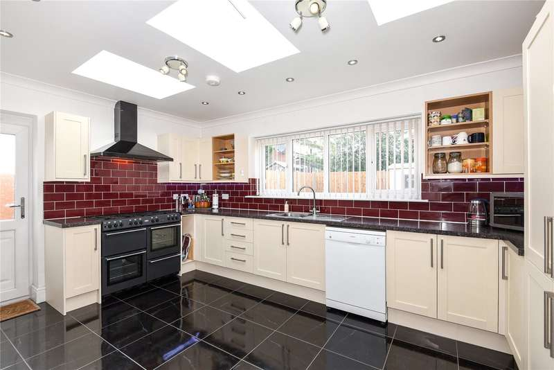 3 Bedrooms Semi Detached House for sale in New Road, Hillingdon, Middlesex, UB8