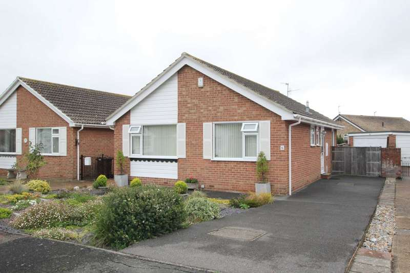 2 Bedrooms Detached Bungalow for sale in Fleming Close, Eastbourne, BN23 7AF