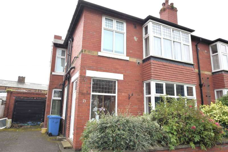 4 Bedrooms Semi Detached House for sale in Columbus Ravine, Scarborough, North Yorkshire YO12 7QT