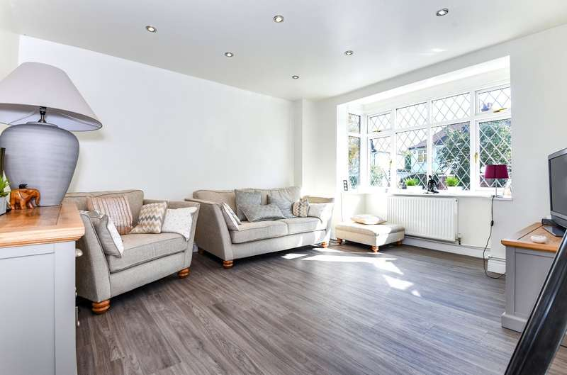 2 Bedrooms Flat for sale in Mostyn Road, Wimbledon, SW19