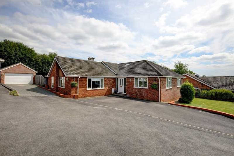 4 Bedrooms Detached Bungalow for sale in Coach Ride, Marlow