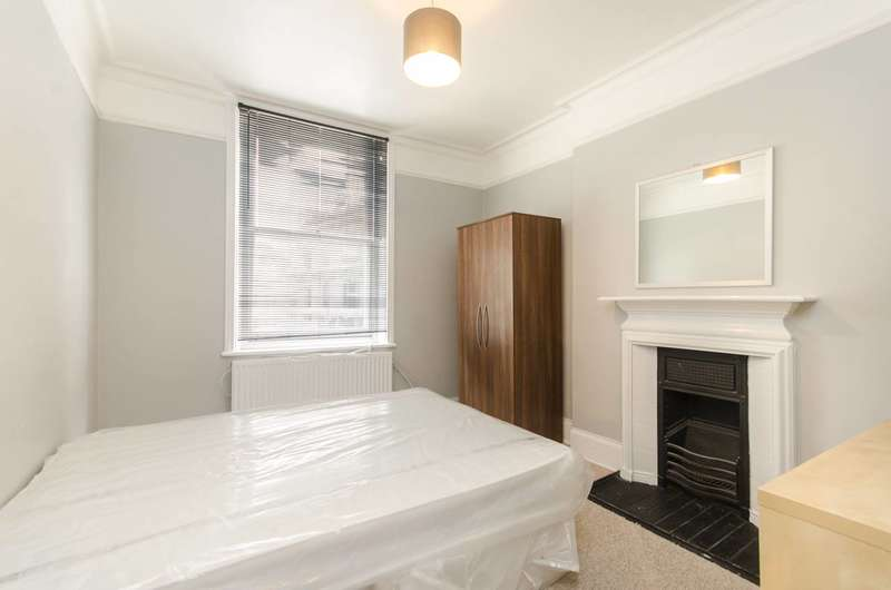 3 Bedrooms Flat for sale in Fulham High Street, Fulham, SW6