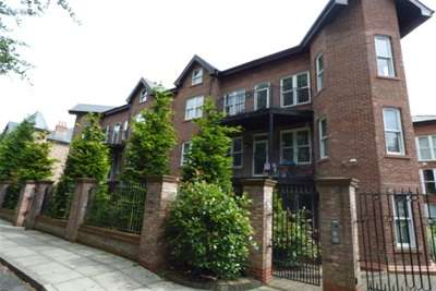 2 Bedrooms Flat for rent in The Palm, Ibbotsons Lane, L17