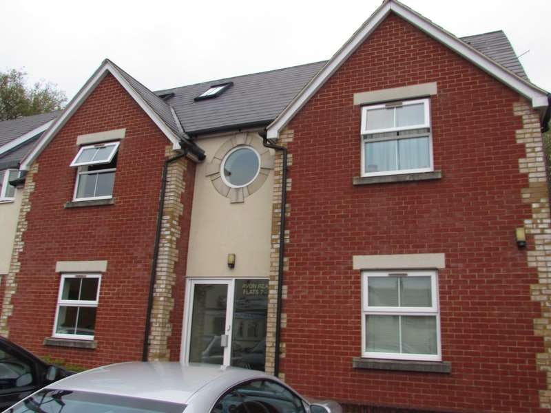 2 Bedrooms Flat for sale in Middleton Road, Salisbury, Wiltshire, SP2