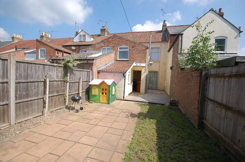 3 Bedrooms Terraced House for sale in Vicarage Road, Thetford