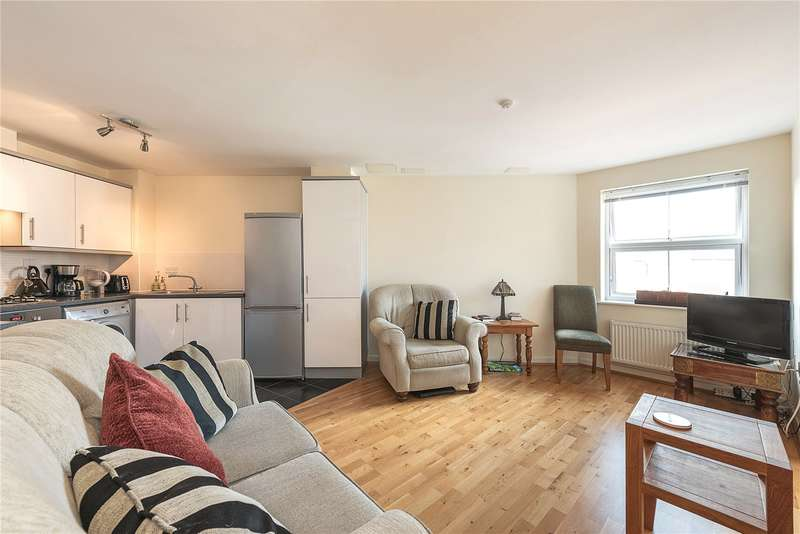 1 Bedroom Flat for sale in Gilson Place, Coppetts Road, London, N10