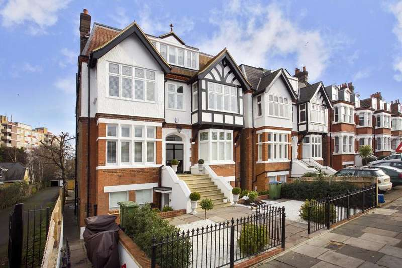 3 Bedrooms Flat for sale in Tudor House, Kings Road, Richmond Hill